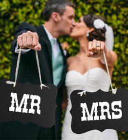 MR and MRS tábla