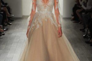pezsgő menyasszonyi ruha
