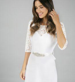 Hosszú ujjú menyasszonyi ruha